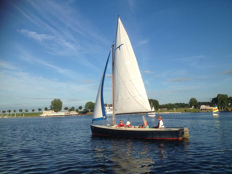 Zeilboot met of zonder schipper