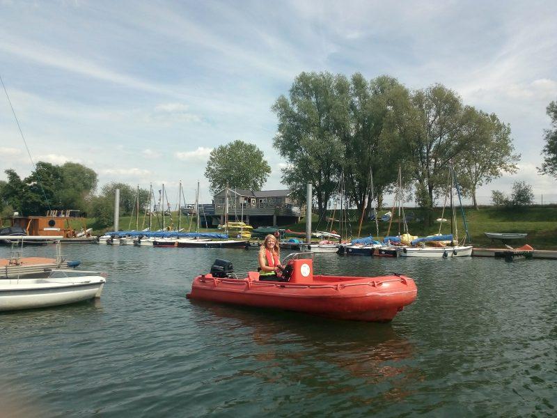 Het water op in een Yak bij Sailcenter Limburg.